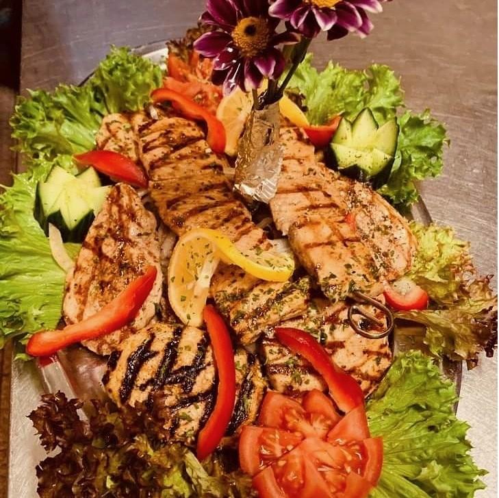 Griechische Platte im Restaurant Athen